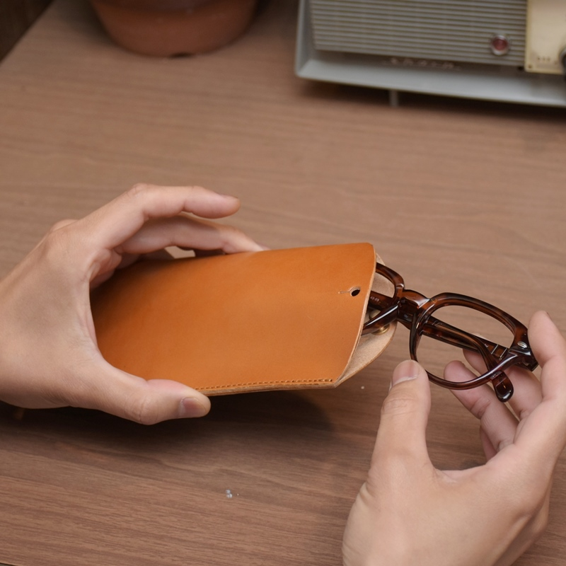 名入れ ヌメ革 メガネケース スリム めがねケース メガネ レザー プレゼント 老眼鏡ケース 刻印付き