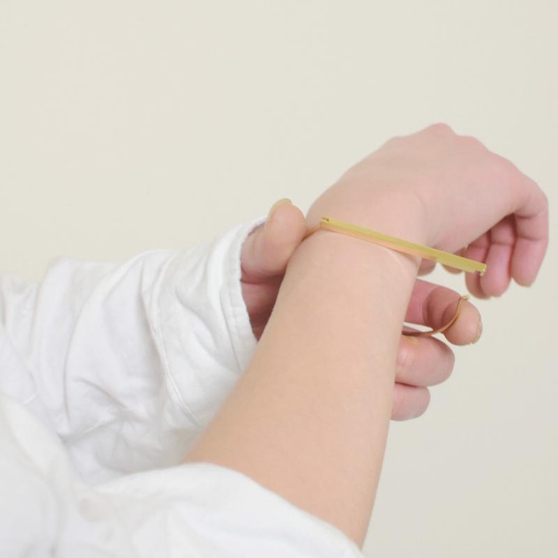 ゴールド スクエア ピラー バングル ブレスレット プレゼント 可愛い 高級感 お洒落 プレゼント ギフト
