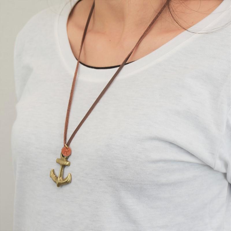 レトロ イカリ 真鍮 ネックレス イニシャル レザーチャーム プレゼント ギフト アンカー 錨 可愛い お揃い
