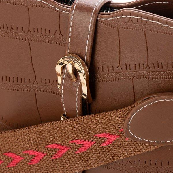 クロコダイル型押しリベットデザインショルダーバッグ