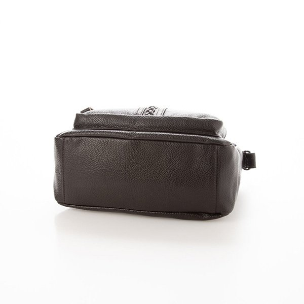 ポイント編み込みデザインレザータッチショルダーバッグ
