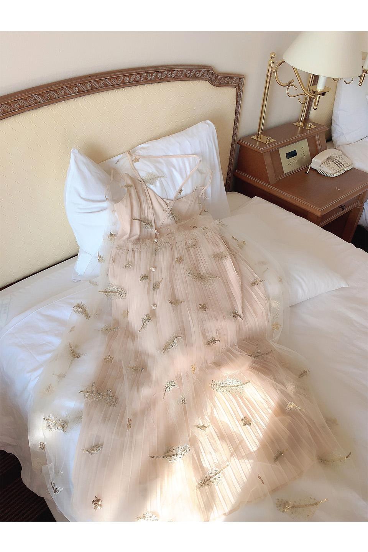 刺繍チュールプリーツキャミコンビワンピース