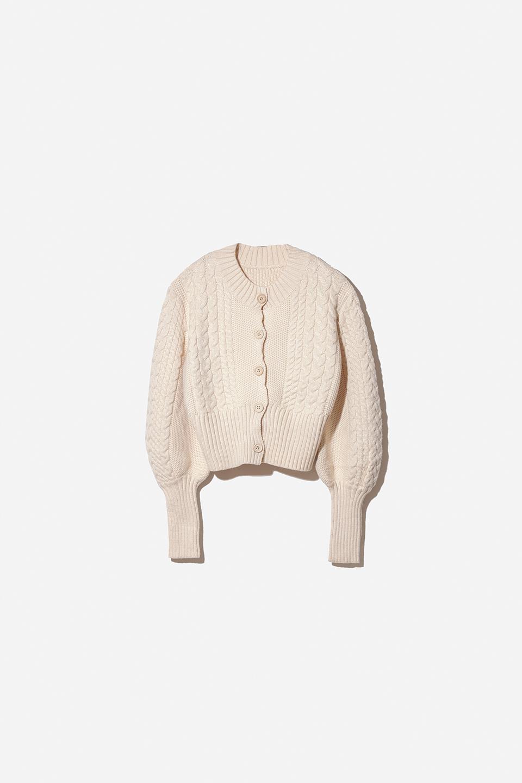 【予約販売】ボリューム袖ケーブル編みにニットカーディガン