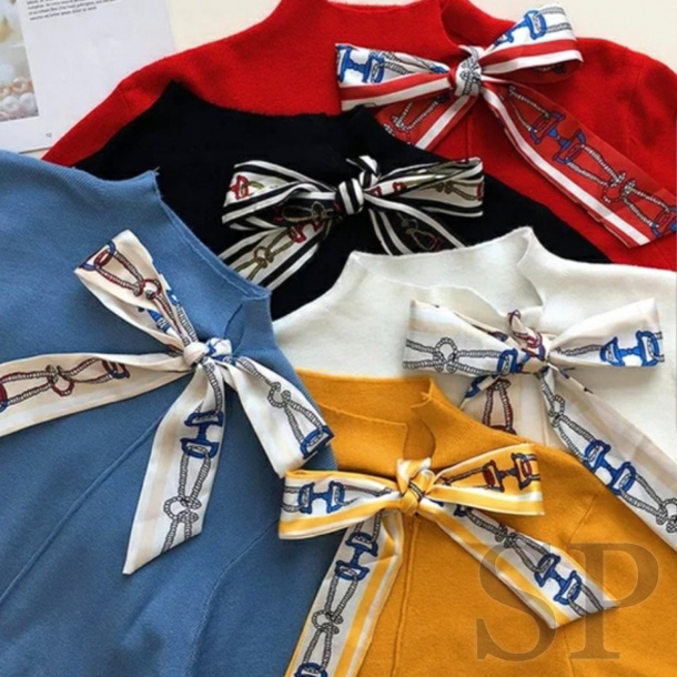 【即納可】ツイリースカーフ付きニットプルオーバー