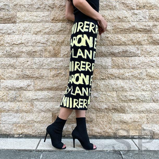 グラフィックロゴニットタイトスカート