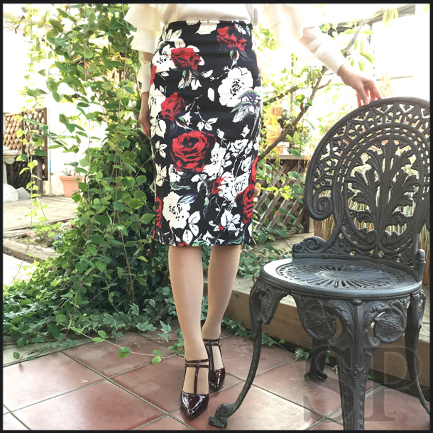 【即納可】ローズプリントタイトスカート