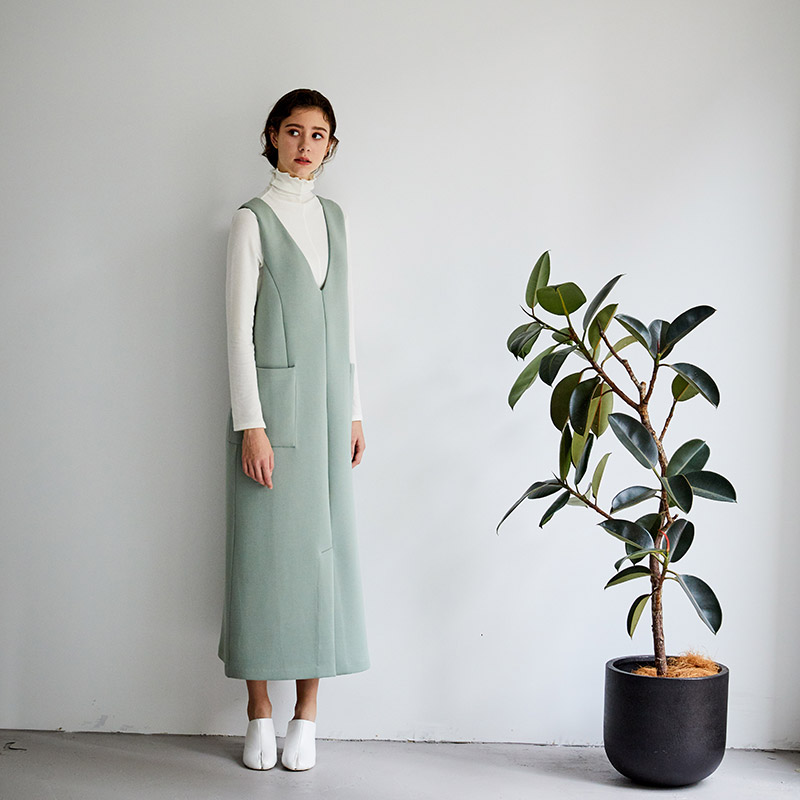 ボンディングサロペットスカート