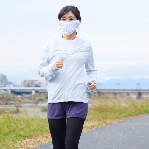軽い着け心地の紫外線対策マスク-口の軽い女