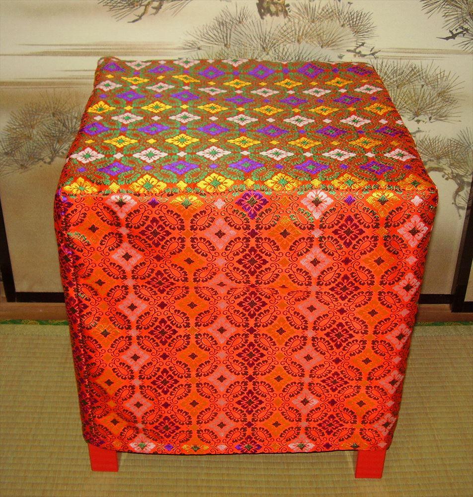 【 椅子 】 新婦用椅子(赤錦カバー付き)