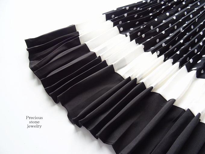 ●残り1点のみとなりました〜感謝プライス×レディブラックドットプリーツスカート