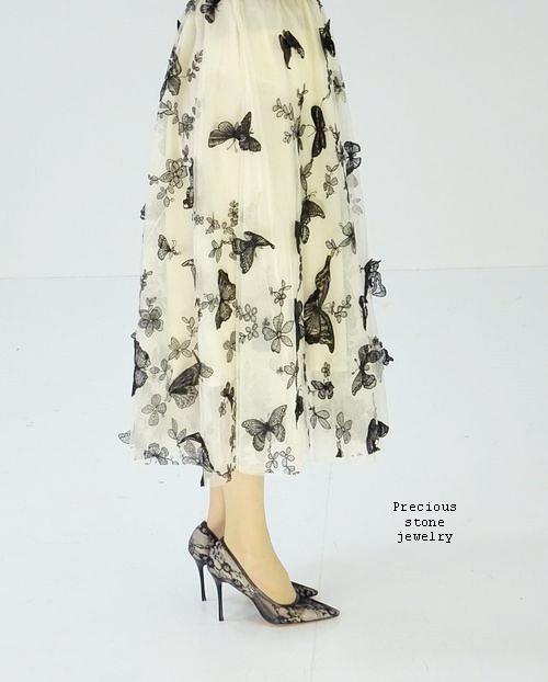 ●残り1点〜再入荷〜パピヨン刺繍スカート