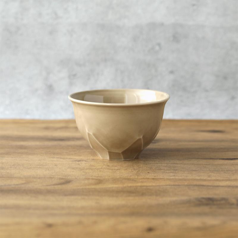松平彩子 こどんぶり 枇杷茶