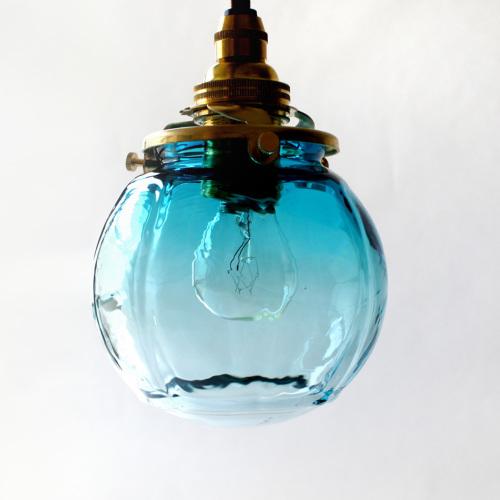 【予約注文】安土草多|ペンダントライト [E17] 球 青透き被せ