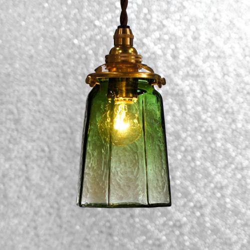 安土草多|ペンダントライト [E17] 八角錐台瓶 緑透き被せ