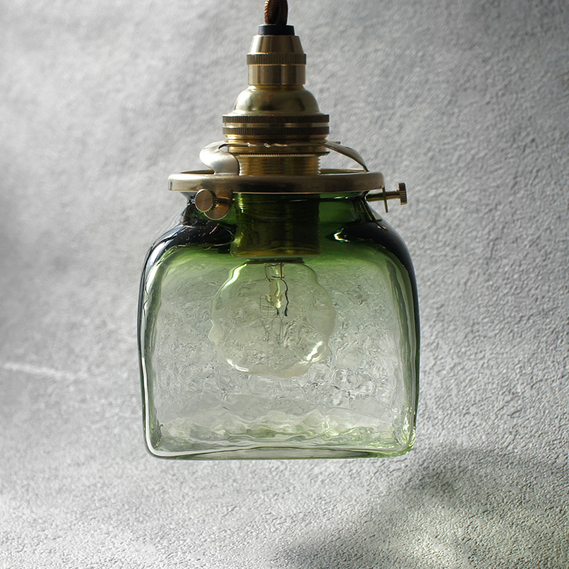 【予約注文】安土草多|ペンダントライト [E17] 角瓶 緑透き被せ