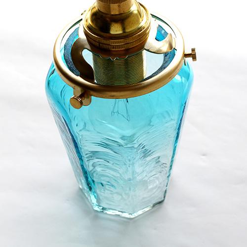 安土草多|ペンダントライト [E17] 八角瓶 青透き被せ