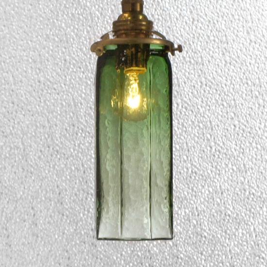 安土草多|ペンダントライト [E17] 八角細筒瓶 緑透き被せ
