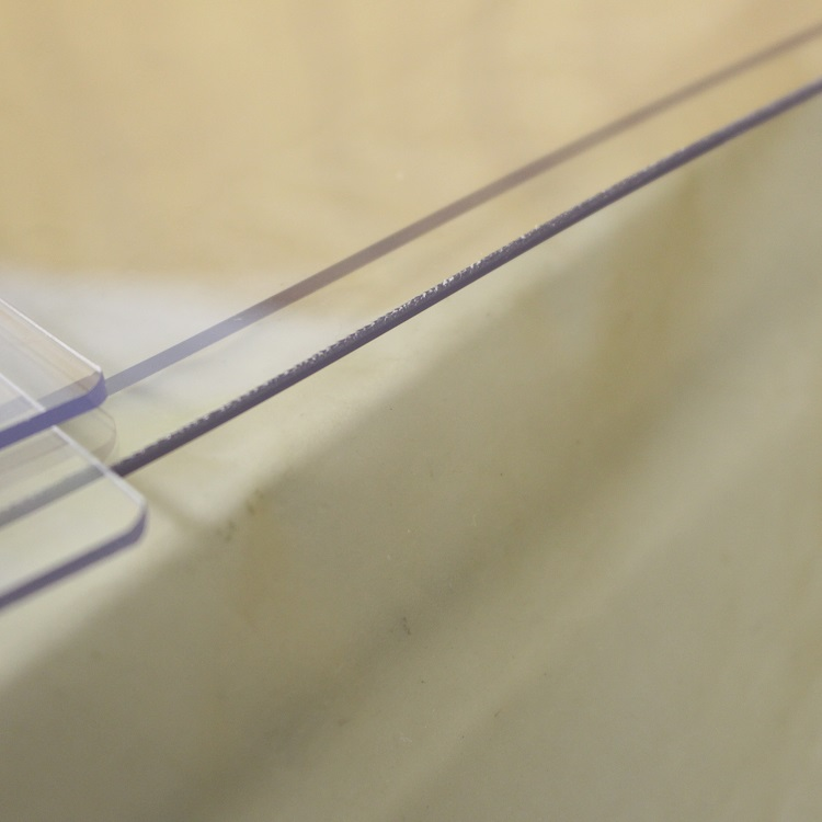 アウトレット デスクマット 紙の字写りしない! 子供 勉強机 学習机 事務机 両面非転写デスクマット クリアータイプ 600×900mm 2mm厚 透明 テーブルマット 透明マット テーブル 特別価格 送料無料 傷あり B品 ビニールシート クロス