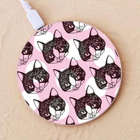 【ワイヤレス充電器】舌をしまい忘れた猫2-ピンク-