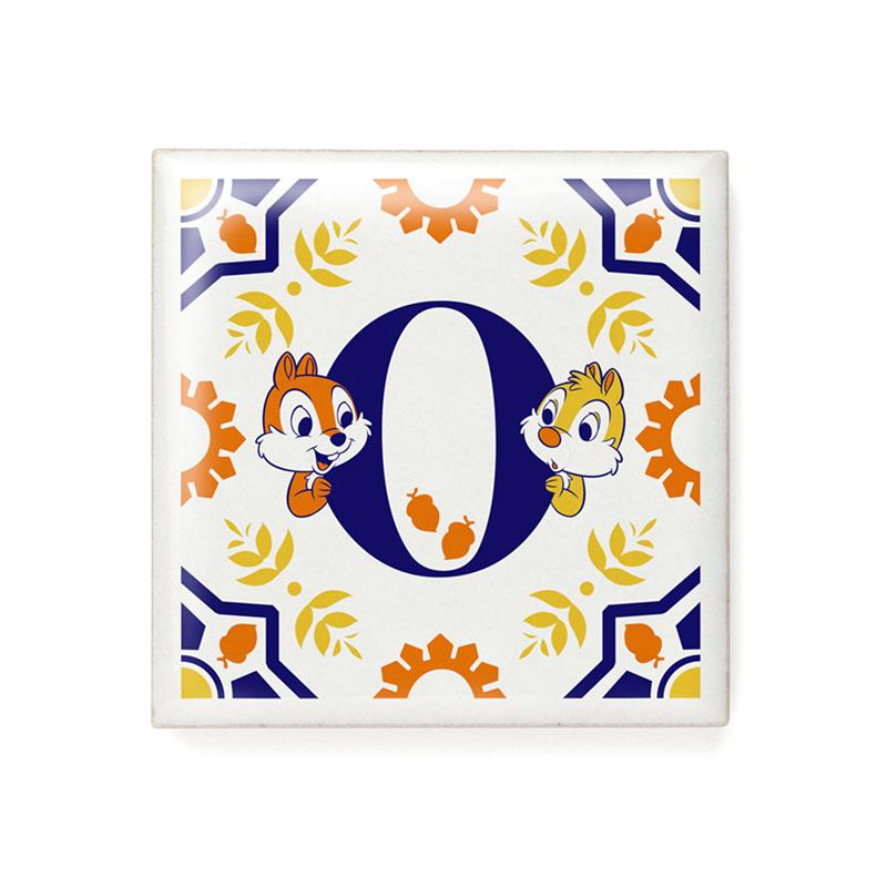 アルファベットタイル(O)チップ&デール