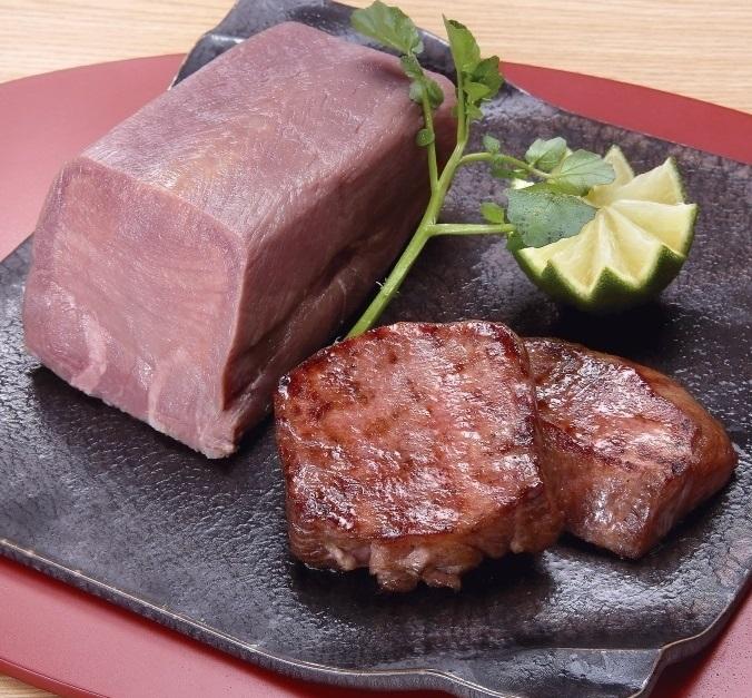 仙台・陣中 牛タン丸ごと一本塩麹熟成ブロック (送料無料)