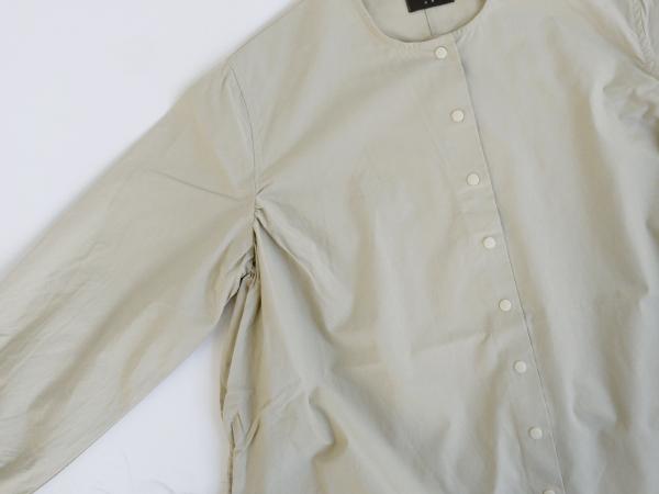 オローネ ノーカラーパレットロングシャツ