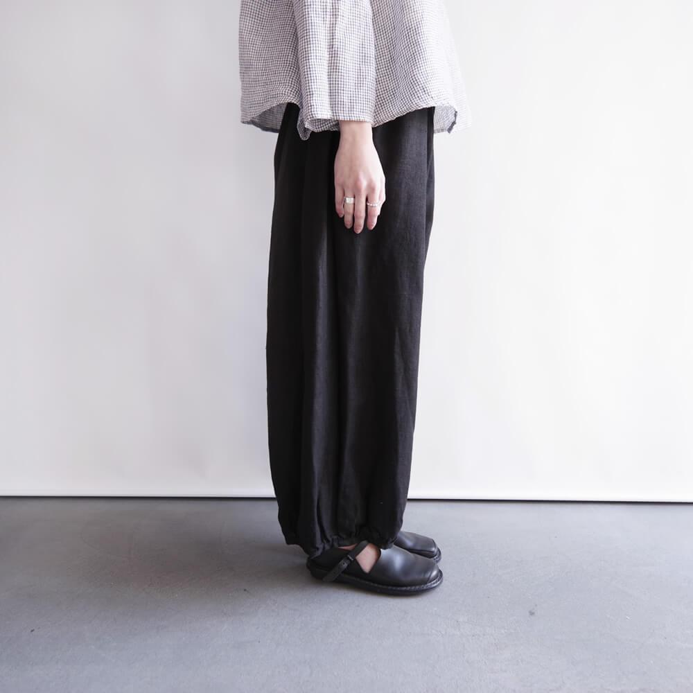 フォグリネンワーク fog linen work : SARA BALOON PANTS サラ バルーンパンツ (ブラック/ブルーヴィオレ)
