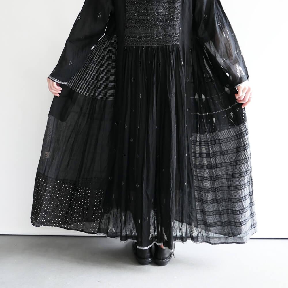 インジリ injiri : ミシンステッチワンピース(Black)