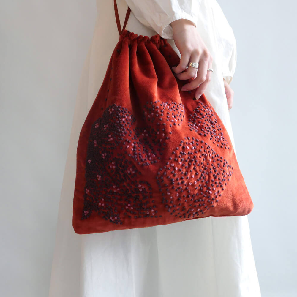 カディー&コー Khadi and Co : LOTUS ベルベット巾着バッグ