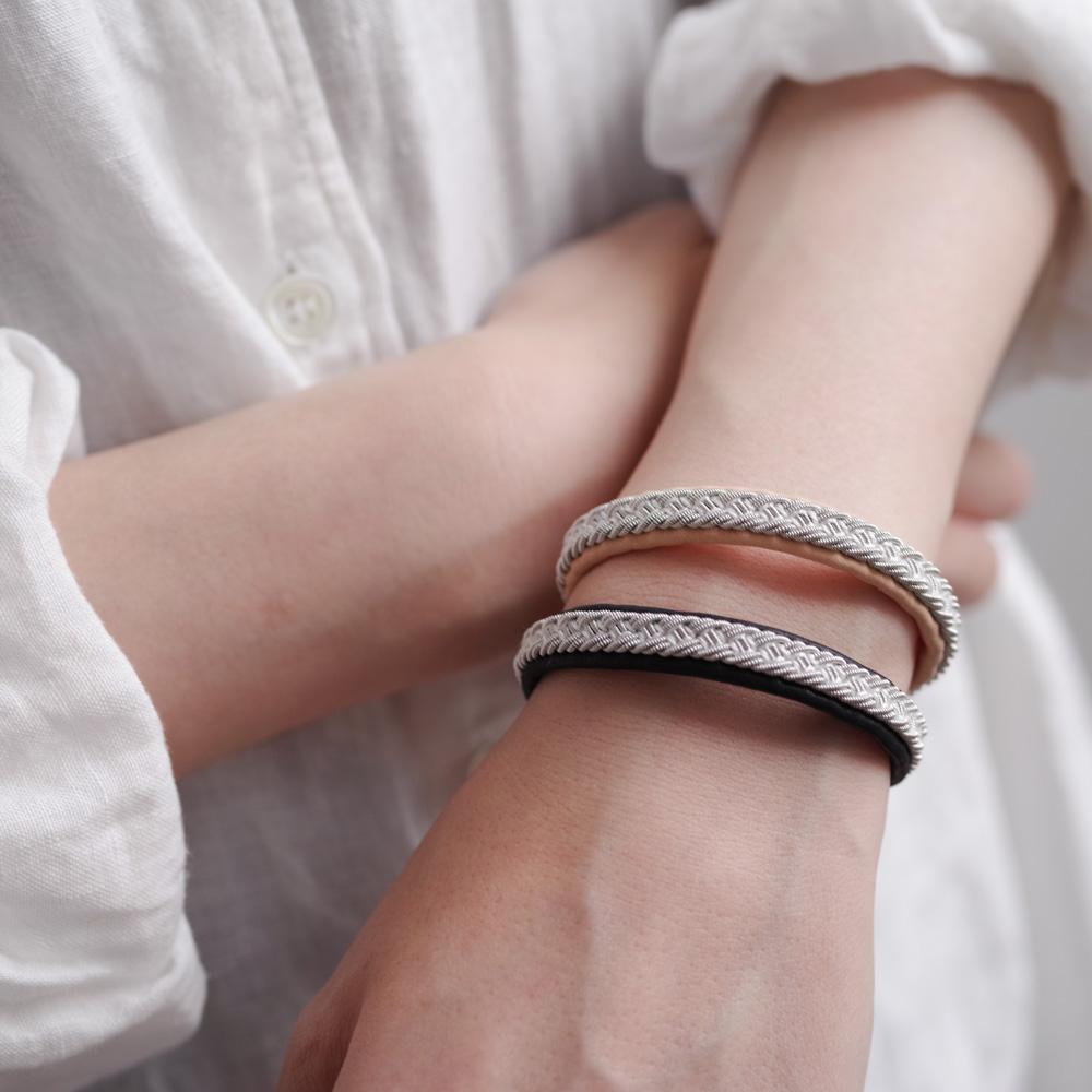 マリアルドマン MARIA RUDMAN : AB23 bracelet (black/naturalpink) レザーブレスレット