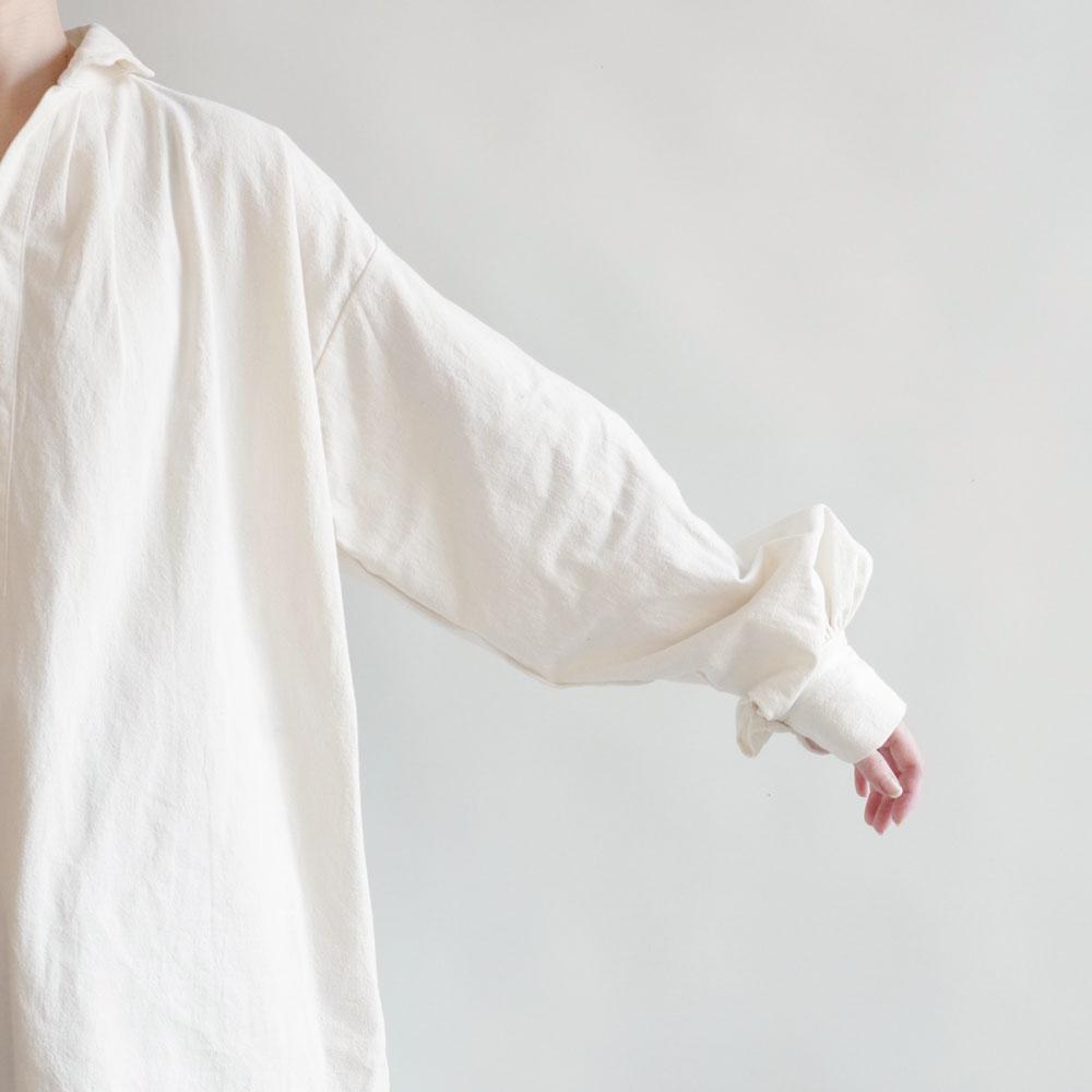 ギャレゴデスポート GALLEGO DESPORTES : Antik style red-cross shirt ウェーブカラーシャツ(アンティークリネン)