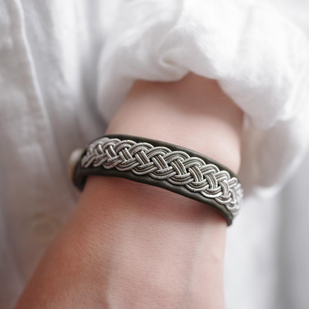 マリアルドマン MARIA RUDMAN : B27 bracelet (khaki) レザーブレスレット