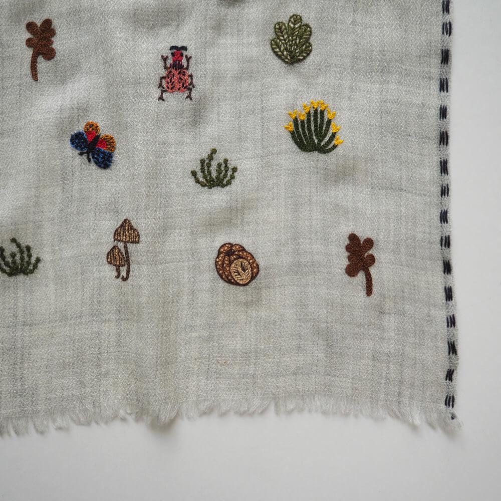 ライトワークス LAITEworks : ARID GARDEN カシミヤウール 刺繍ストール