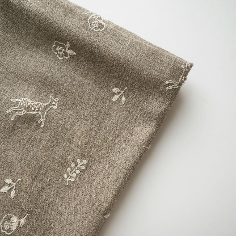 ライトワークス LAITEworks : DEER GARDEN カシミヤウール 刺繍ストール