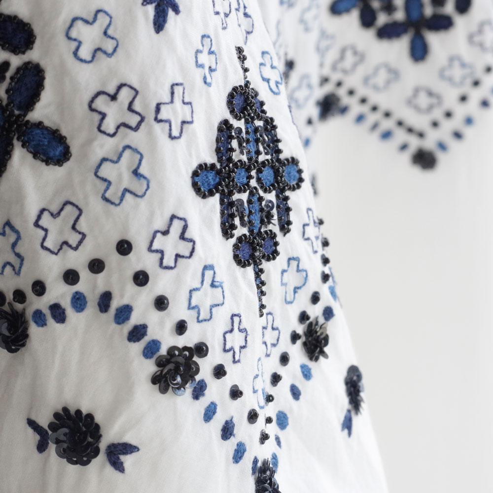 アオドレス AODRESS : 'nordic by hand' front pocket dress 刺繍ワンピース