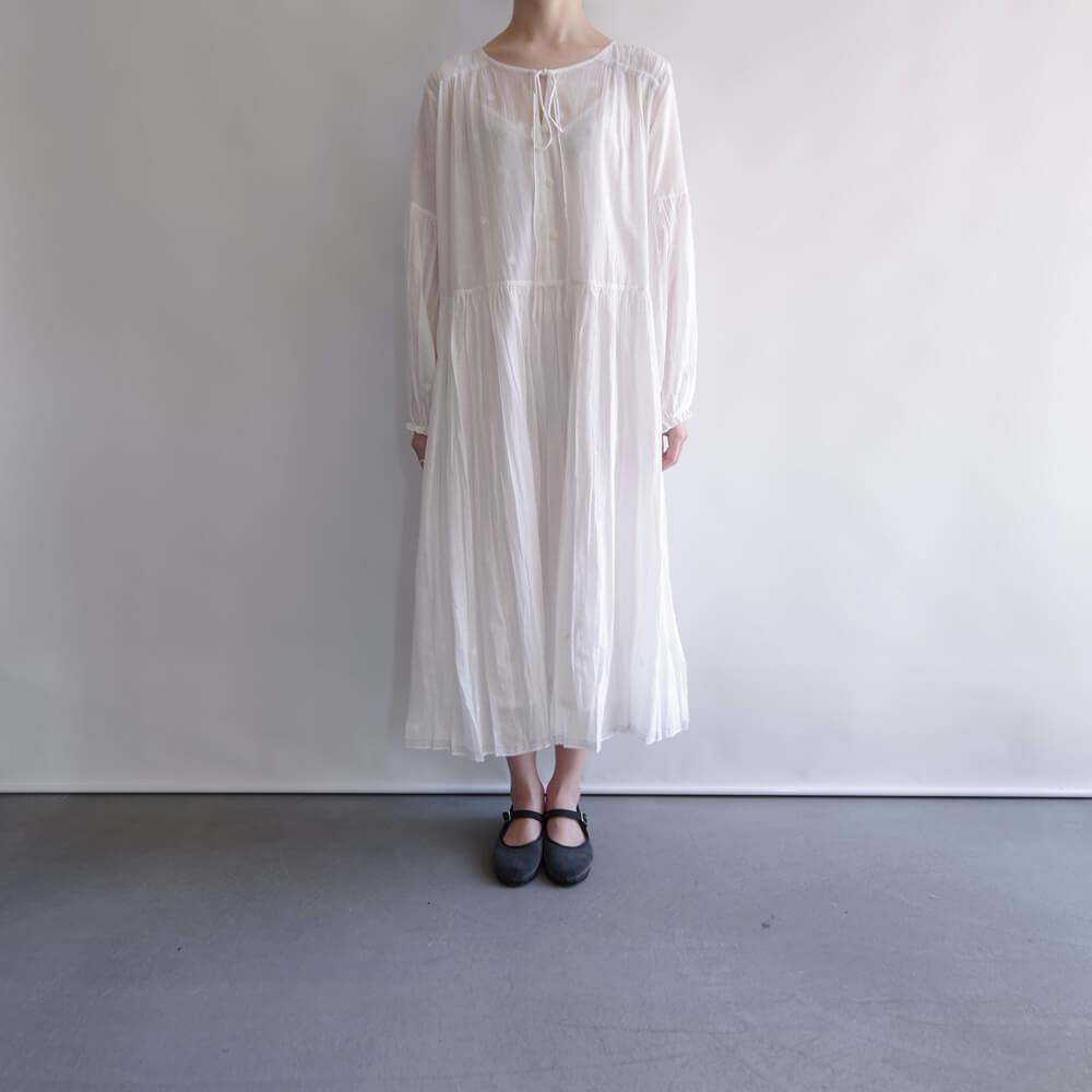 ラナウェイバイシクル Runaway Bicycle : dress with embroidery 肩ギャザーワンピース(白)