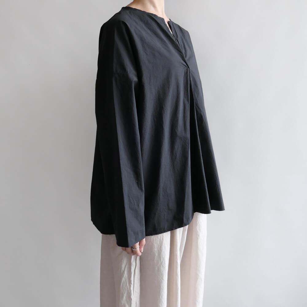 マニュエルギバル Manuelle guibal : VAREUSE TINO UNI プルオーバーシャツ(炭黒)