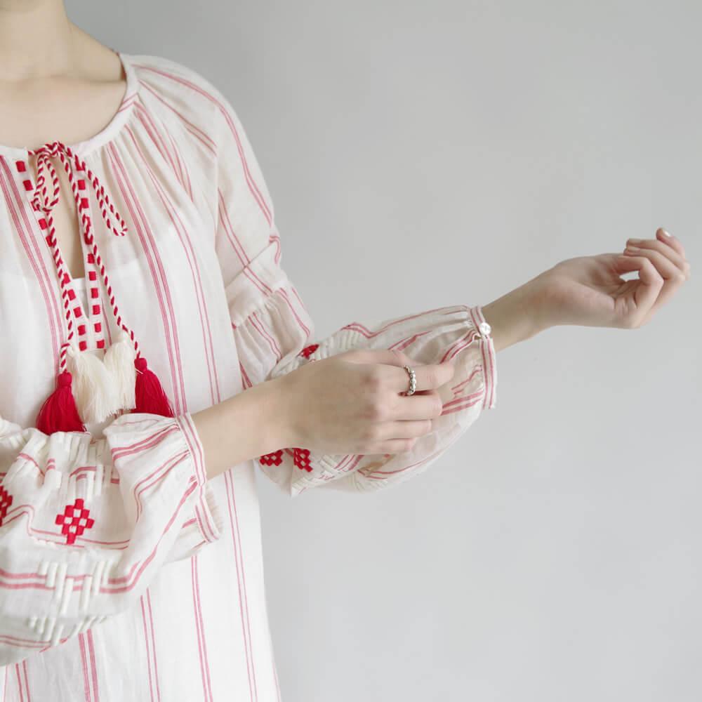 ベナラス BENARAS by citrus : Red Stripes Aztec Veronica 刺繍ワンピース (ストライプ)