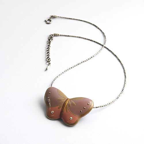 【奈良井志野】チョーカー&ブローチ 蝶々
