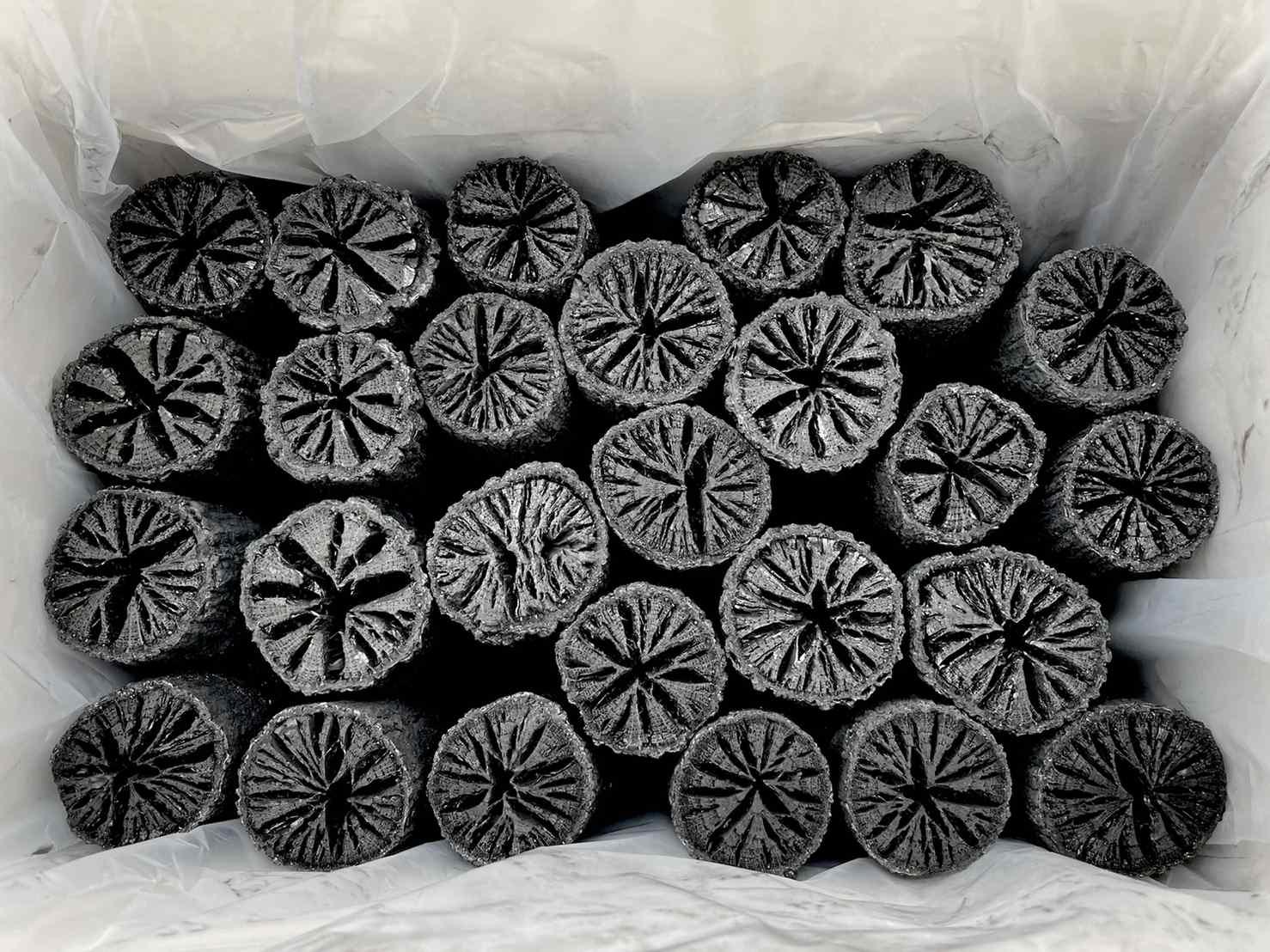 風炉用 胴炭(約2.3�)