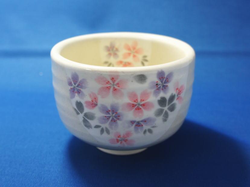 【抹茶碗】丸好粉引万葉桜抹茶碗