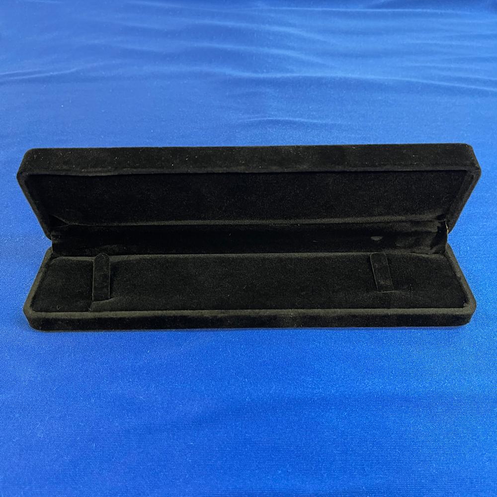 ベロア製♪ネックレスケース(黒)【化粧箱、ボックス】