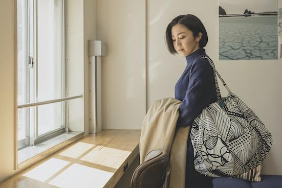 【monmecci(札幌市)】大きな幾何学模様バッグ