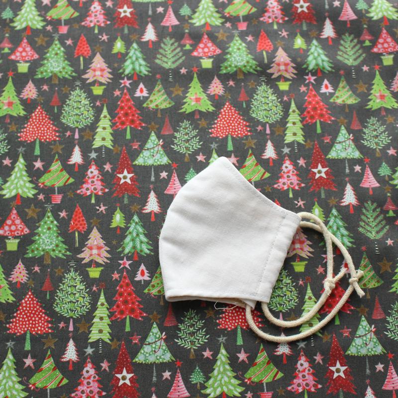 【140cm×50cm】ドイツ輸入生地 acufactum783 カラフルなモミの木 クリスマスツリー柄の生地
