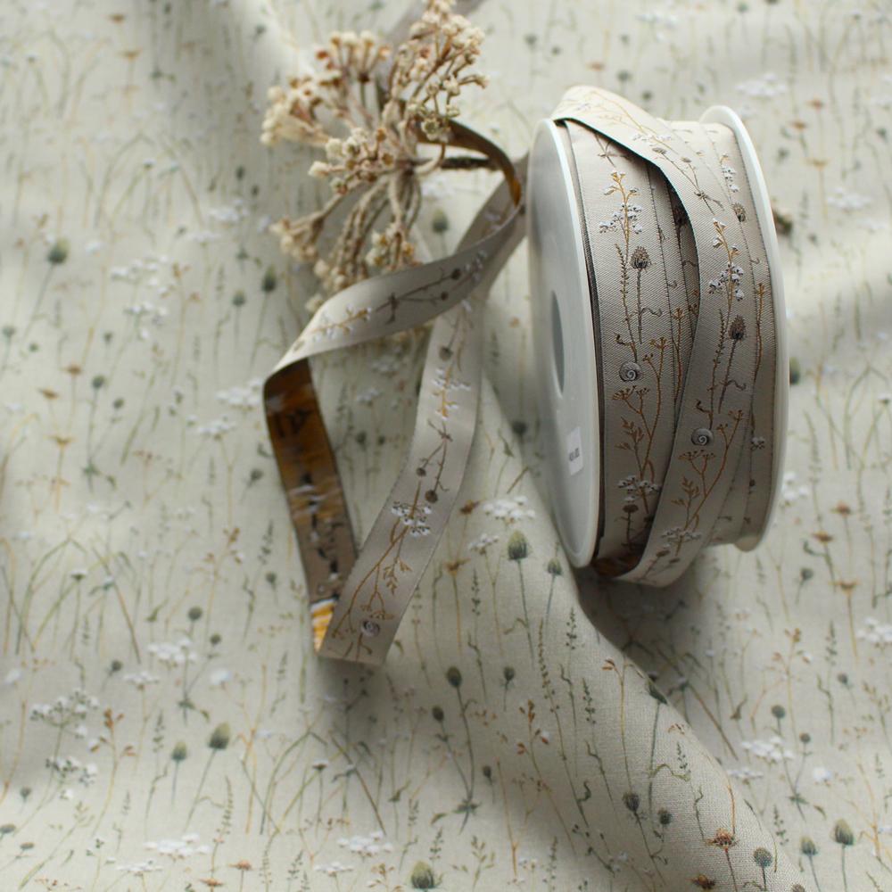 【50cm単位】acufactum297 約幅16mm/コットン、あざみ、冬の草原柄の柄ジャガードリボン チロリアンテープ