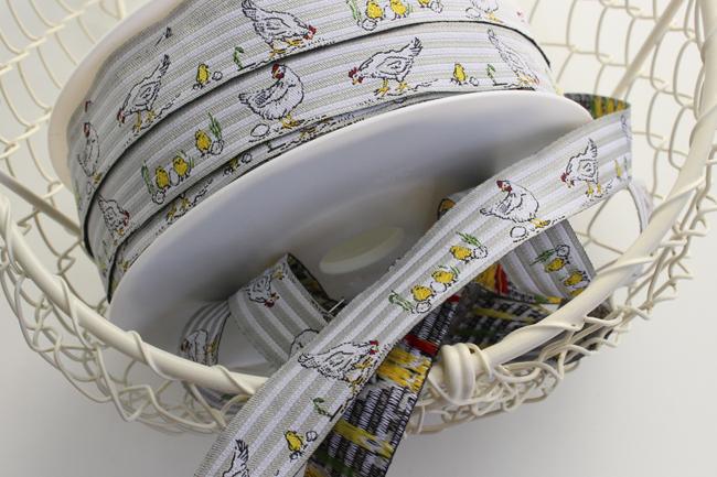acufactumアクファクタム【50cm単位】約幅16mm-ニワトリとヒヨコ柄チロリアンテープ
