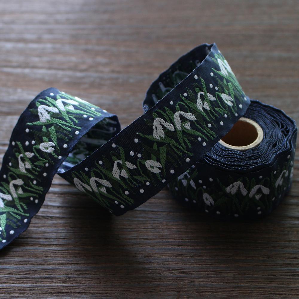 KAFKA カフカ社【50cm単位】約幅32mm-スノードロップのお花柄ジャガードリボン