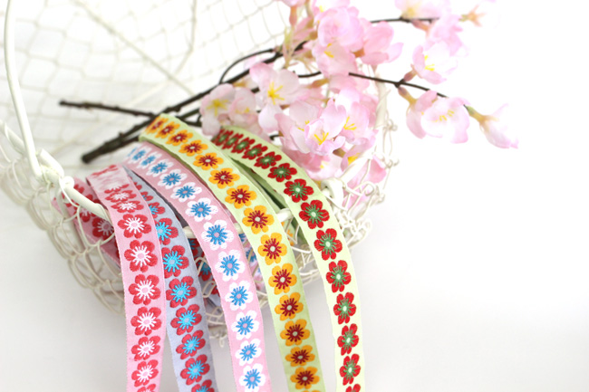 KAFKA カフカ社【50cm単位】約幅15mm-梅風のお花柄ジャガードリボン