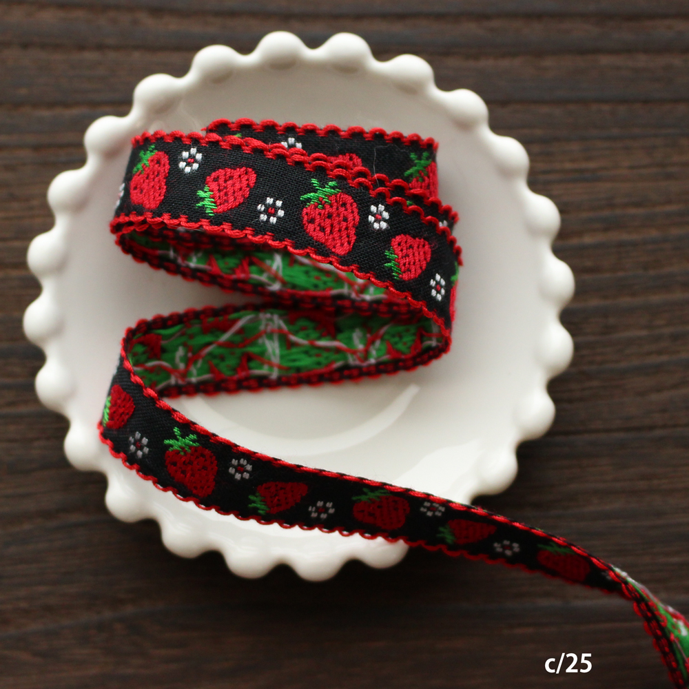 3956-15mm ピコ付きイチゴ柄チロリアンテープ