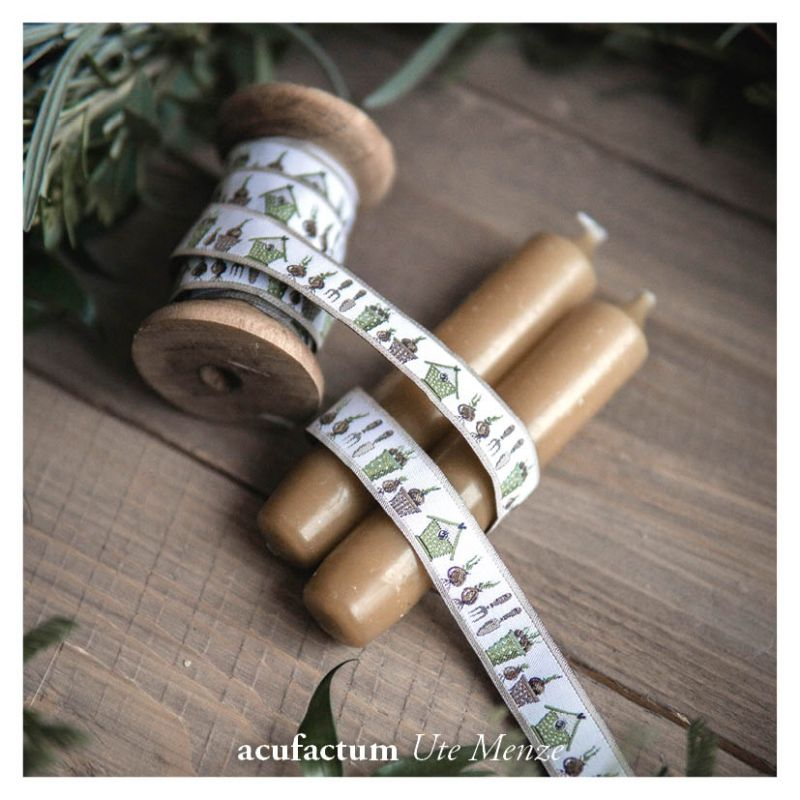 【50cm単位】acufactum308 約幅16mm/春の庭とお家、ガーデニング柄のジャガードリボン チロリアンテープ
